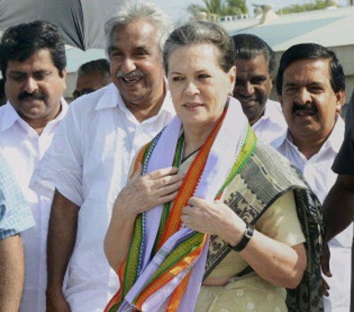 Sonia hails PM for schemes he launched