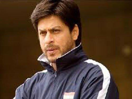 SRK voted best celebrity in rugged look
