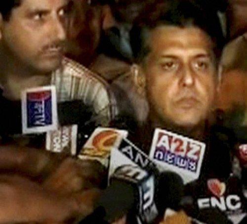 Govt toes Rahul line, withdraws ordinance