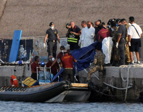 300 feared dead in Italy migrant boat disaster
