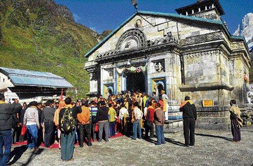 Post-deluge, victims' kin arrive in Kedarnath