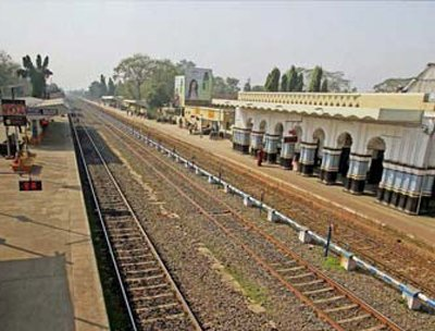Railways to accelerate projects in State