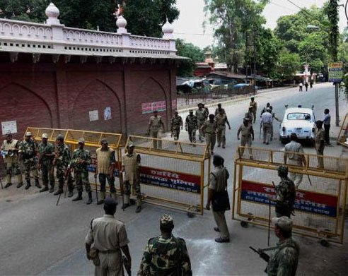 Security intensified in Ayodhya, SMS banned