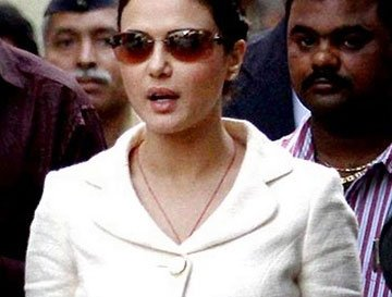 Zinta appears before Magistrate in cheque-bouncing case