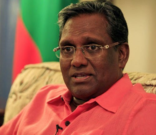 Maldives president to quit if poll dates not set