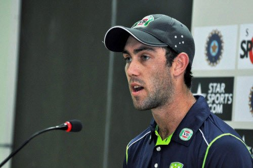 Australians look to curb Dhoni