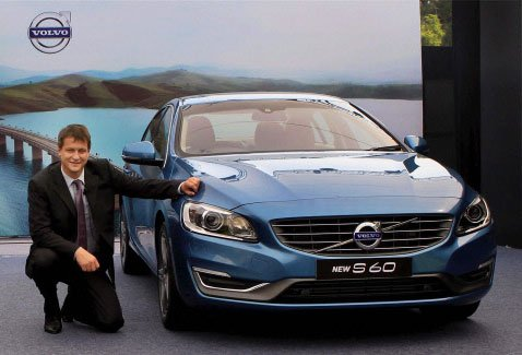 Volvo launches new S60,XC60 versions