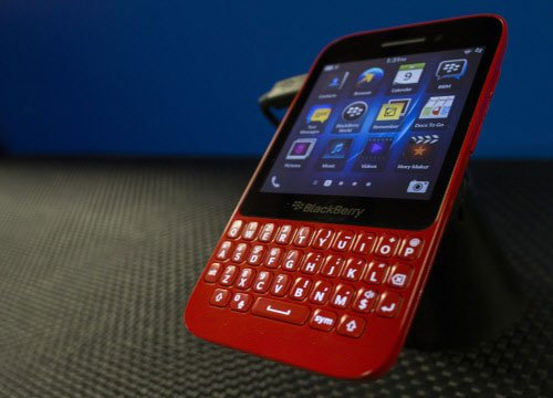Over 10 mn BBM downloads on rival phones in 24 hrs of launch