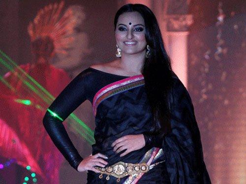 Sonakshi plays Bollywood struggler in 'Bullett Raja'