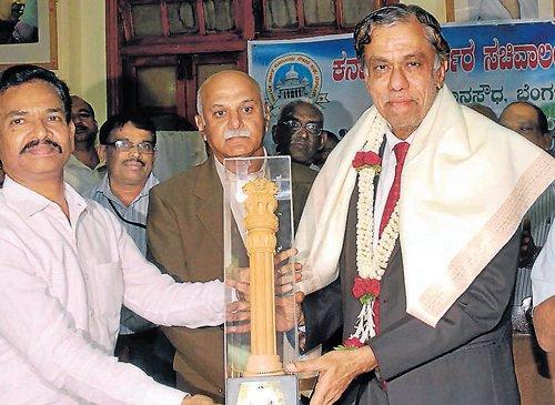 Mukherjee bats for Bangalore infra