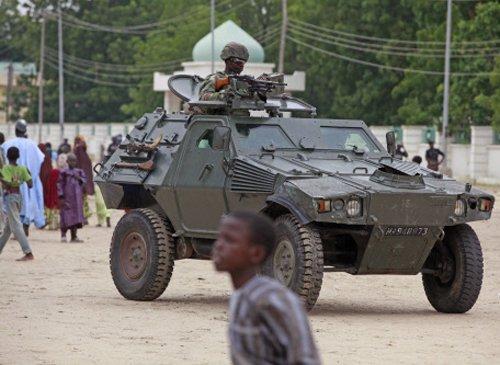 Islamic militants attack Nigerian air force base