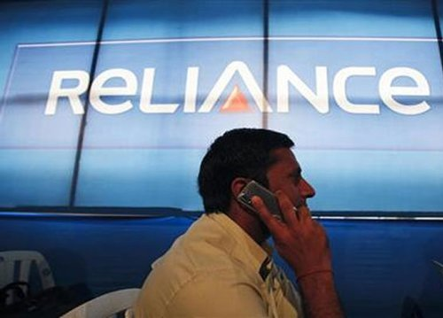 RCom raises 3G internet rate by 26%,cuts benefits by about 60%