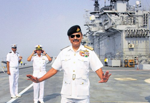 MoD puts decommissioned Vikrant up for auction