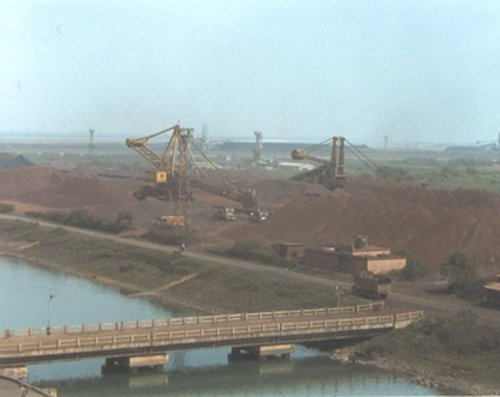 Paradip fishing harbour jetty collapses posing erosion threat