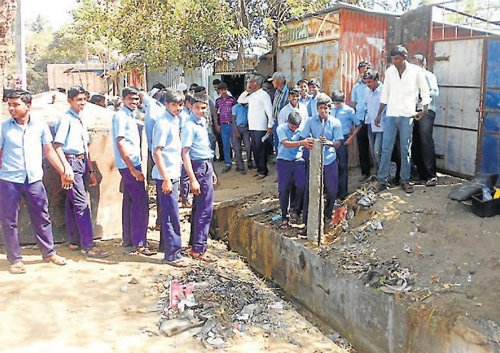 Students take steps to save school land in Ajjampura