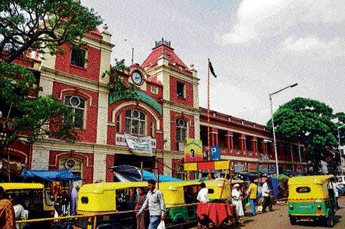 Palike plans to demolish old building of KR Market