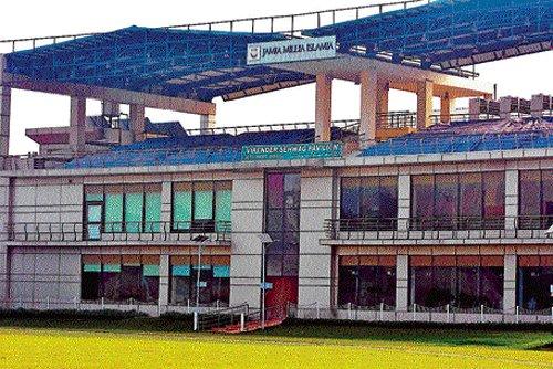 Alma Mater fetes Sehwag, names  pavilion after him