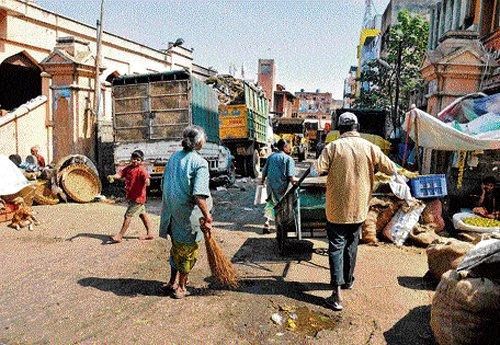 Dirty markets keep shoppers away