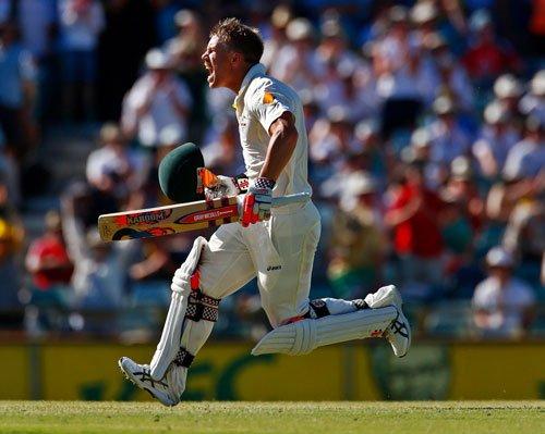 Warner ton puts Aussies on top