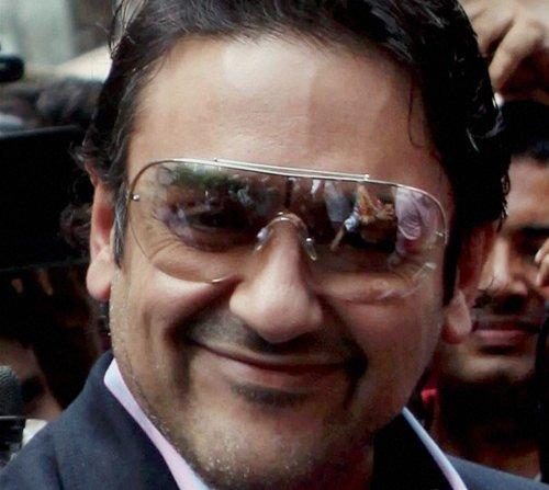 Surrender passport,  HC tells Adnan Sami