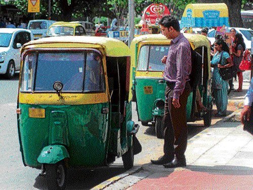 Autos may get 'not for hire' beacons