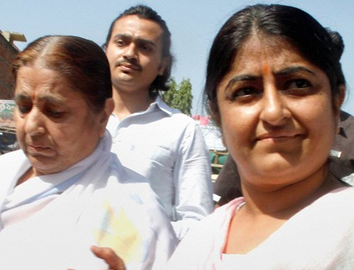 Police arrest Asaram's wife, daughter; release them