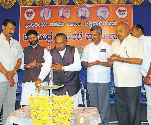 BJP will win 22 LS seats in State, claims Eshwarappa