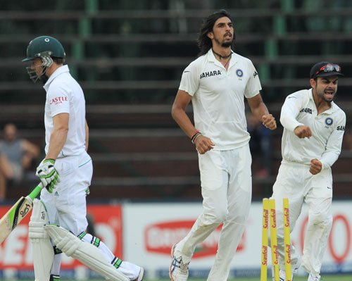 Don't write Indian bowlers off, says SA coach Domingo