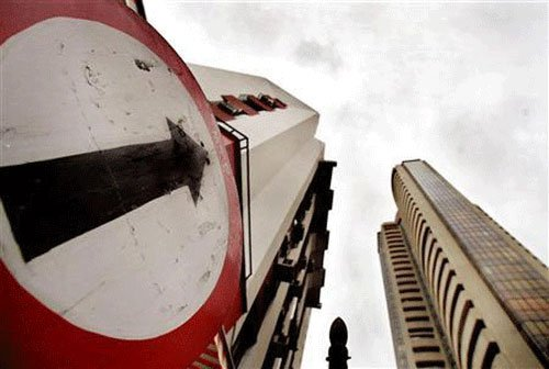 Sensex rises nearly 42 pts amid expiry of monthly derivatives