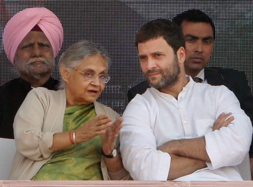Rahul discusses 2014 strategy with Congress leaders