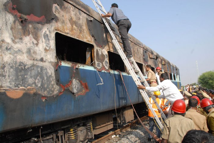 AP train mishap: Survivors recount horror