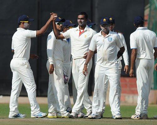 Desperate Delhi face tough Karnataka test