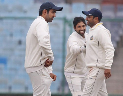 Delhi out of the race as Sehwag, Gauti flop yet again