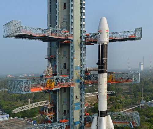 GSLV D-5 launch: Ansari, PM congratualte ISRO scientists