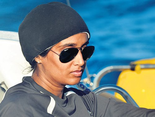 Navy plans all-woman crew for circumnavigation