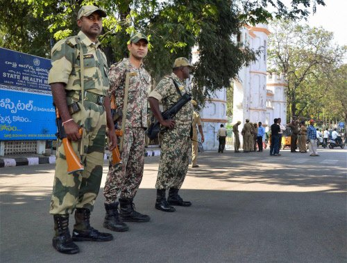 BSF men go on rampage at Lalbagh