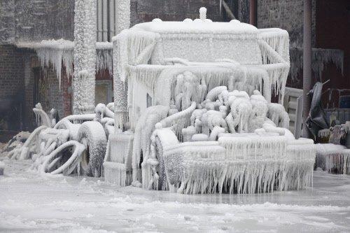 Sub-zero arctic blast strikes US