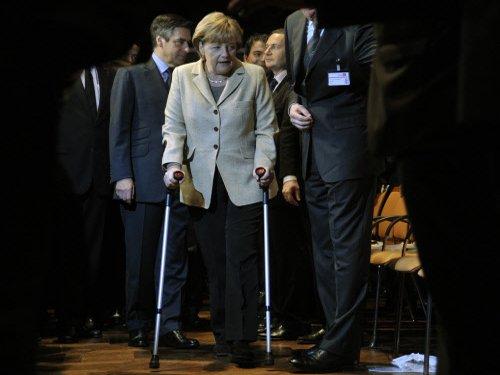 Angela Merkel injured in ski fall