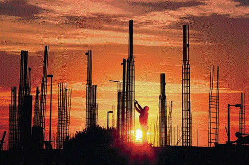 'New projects from pvt firms at historic low'