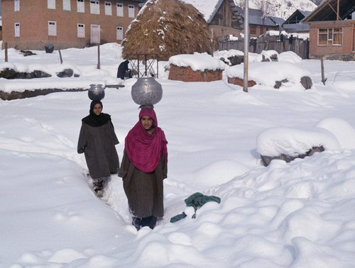 Leh reels at minus 17.4 C as Cold wave continues in Kashmir