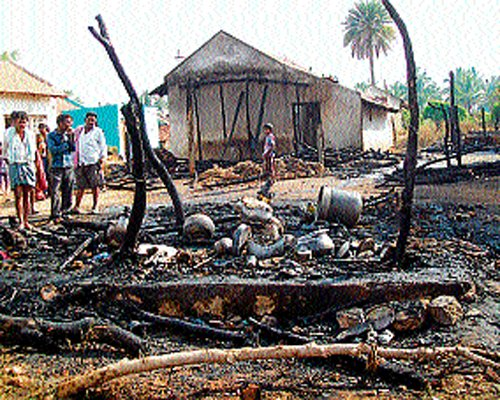 7 houses gutted in fire mishap