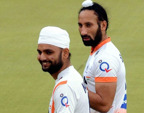 Sardar to lead India at Hockey World League Final