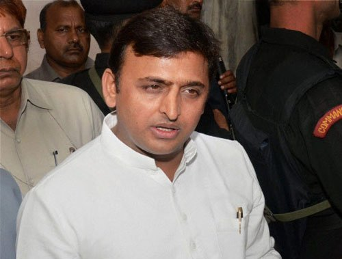 UP ministers on foreign trip, SP leadership watch B'wood stars