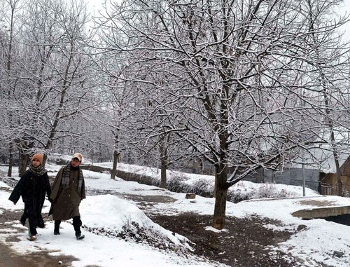 Snowfall prompts closure of NH in J-K, avalanche warning in Himachal