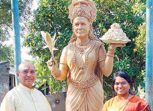 Cong MLA to build Sonia idol