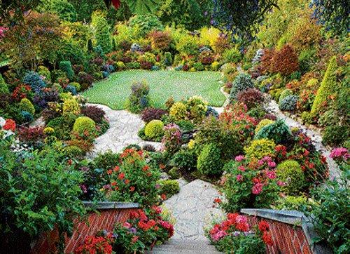 Road to a beautiful garden