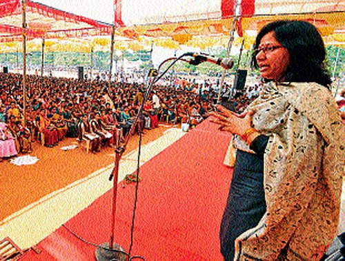 'Give decision taking power to women to solve social problems'