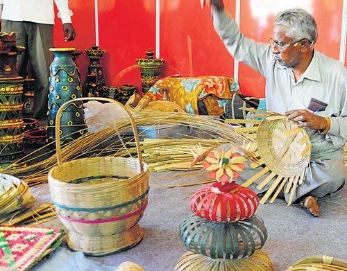 Month-long Khadi expo begins
