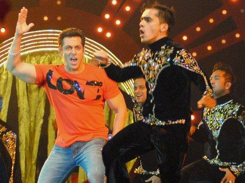No need for apology: Salman tells Mahesh Bhatt