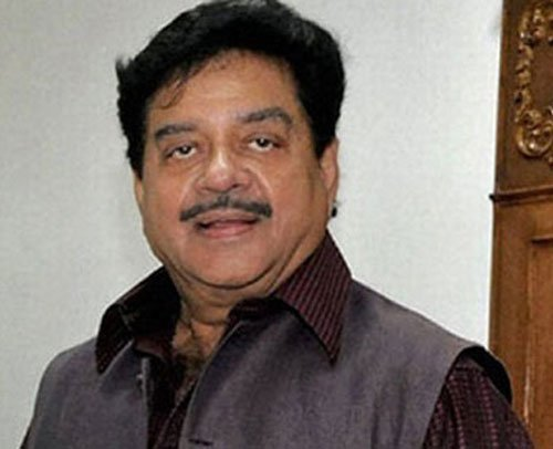 Shatrughan's omission from BJP committee raises eyebrows